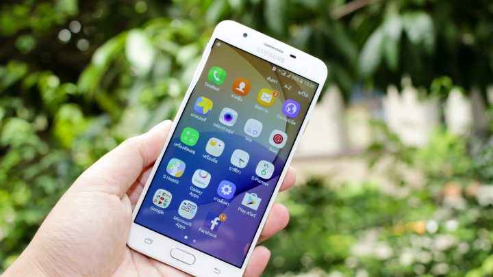 What do you keep in mind when purchasing a smartphone?